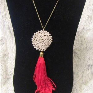 Jewelry - This beautiful druzy tassel necklace